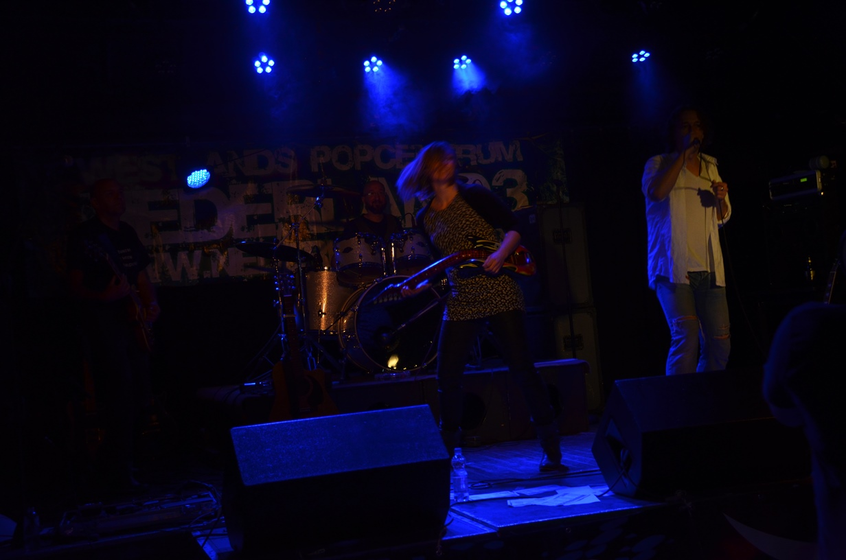Rockband Coverband Axenzion NL3 Fam v/d Hauw on stage! - 2014